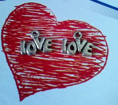 LOVE - CHARM IN ARGENTO TIBETANO - SAN VALENTINO