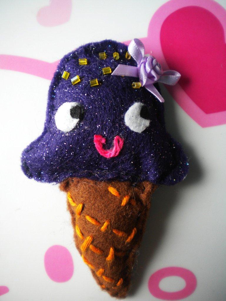 Ice Cream Kawaii: Violet Yummy