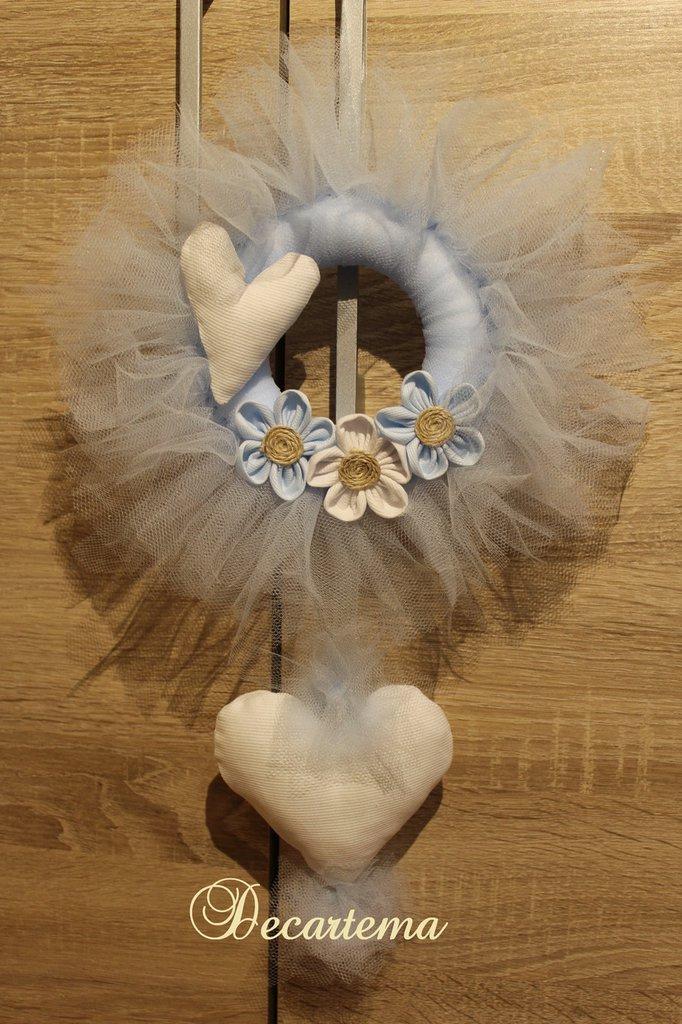 Ghirlanda fiocco nascita in tulle Shabby azzurro