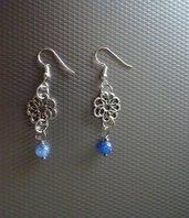Orecchini ESSENCE: fiore e agata blu