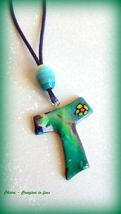 Bomboniere per Comunione e Cresima in fimo handmade Croce Tau multicolore