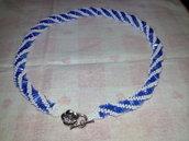 Collana bianco blu