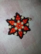 Ciondolo forma fiore arancione