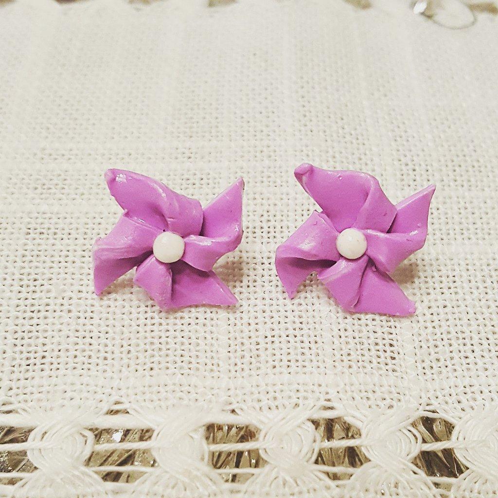 Girandole lilla con centro bianco