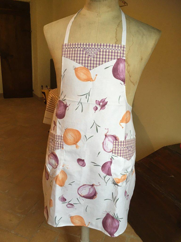 Simpatico grembiule per cucinare in allegria- idea regalo Festa della mamma
