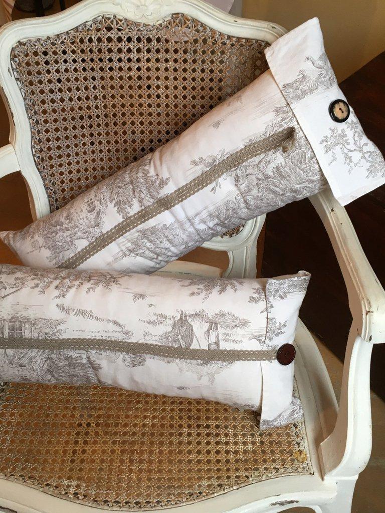 Cuscini shabby chic con toile de joui idea regalo san for Regalo oggetti usati
