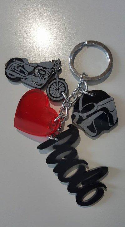 regalo per lui : la sua passione e' la  moto?!
