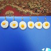 Orecchini pendenti uovo cotto in padella