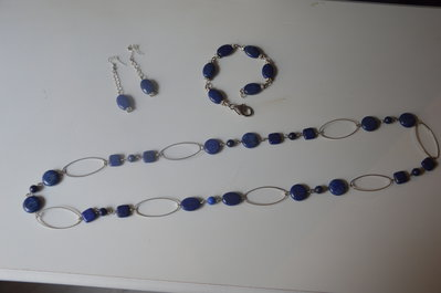 Collana lunga con pietre lapislazzuli + bracciale e orecchini coordinati