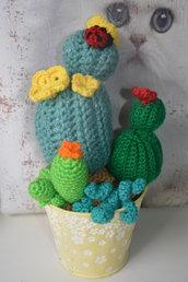 Grande cactus all'uncinetto con la tecnica Amigurumi