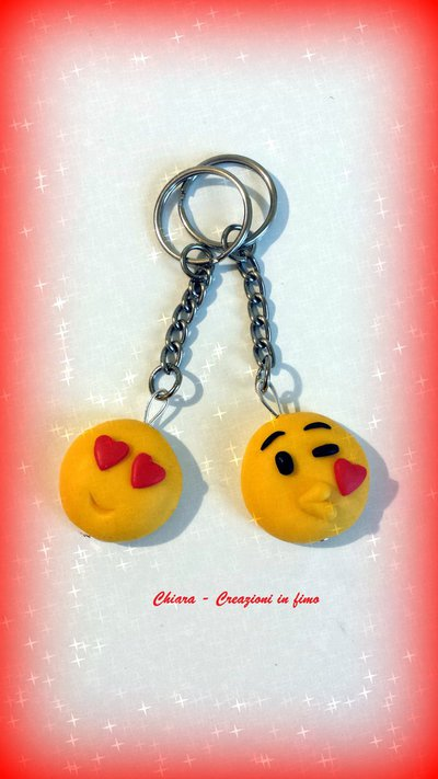Novità!! Portachiavi in fimo handmade faccine Emoticons kawaii miniature idee regalo san valentino