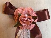 Spilla per abbigliamento con rose rosa di raso e lana- handmade