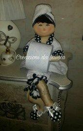 Bambola portarotolo bianca e nera Ivana