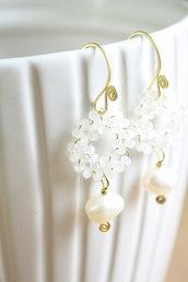 Orecchini in ottone con Perle d'acqua dolce e cristalli Bianchi