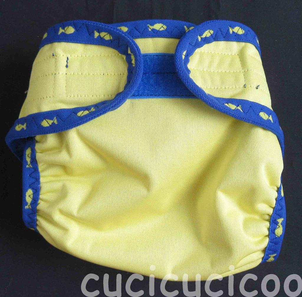 pannolino a tasca M (giallo e blu con pesci)