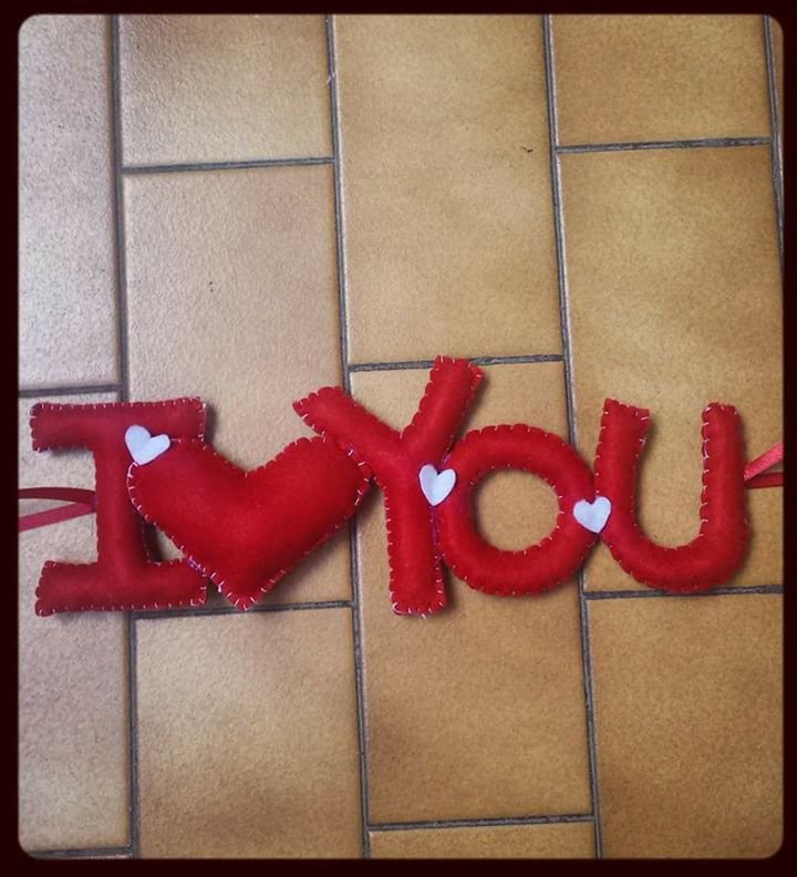 "Scritta ""I Love You"" in pannolenci"