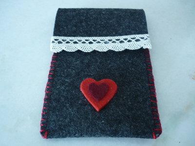 Due cuoricini per San Valentino-Porta cellulare o portafoglietti