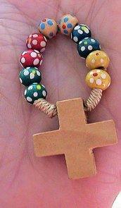 Anello rosario in legno colorato con fiori dipinti