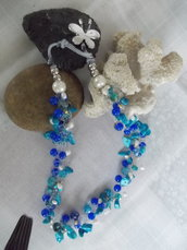 Blue butterfly collier