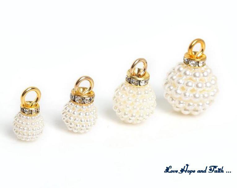 "Charm ""Sfera di mini perle""  (15x23mm) (cod. New)"