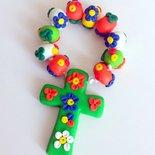 Bomboniere per Comunione e Cresima in fimo handmade decine rosari fiori multicolore