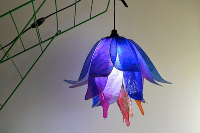 lampadario fiore blu notte da cui nasce il giorno