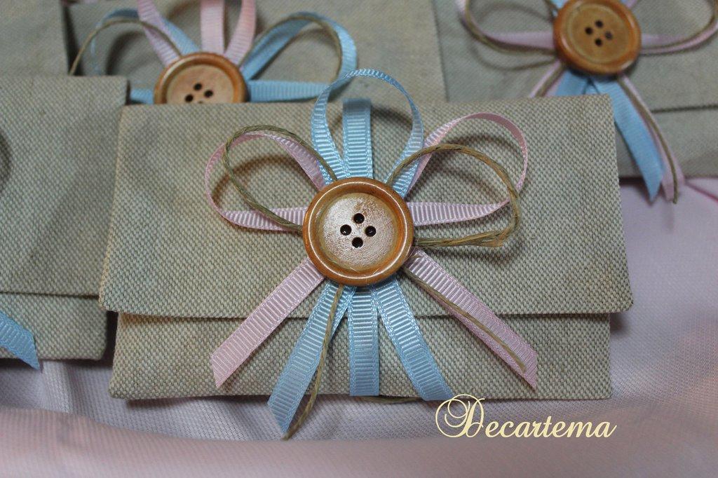 Bomboniere/sacchettini shabby chic in tela naturale e bottone di legno