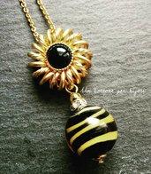 Collana con bottone gioiello vintage e perla tigrata in vero vetro di Murano