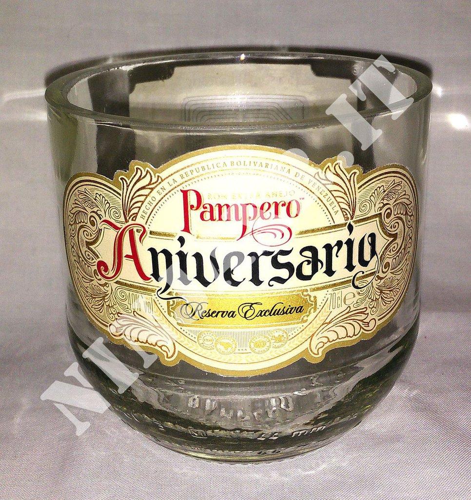 Vaso artigianale bottiglia Rum Pampero Aniversario con sacca in pelle idea regalo arredo design