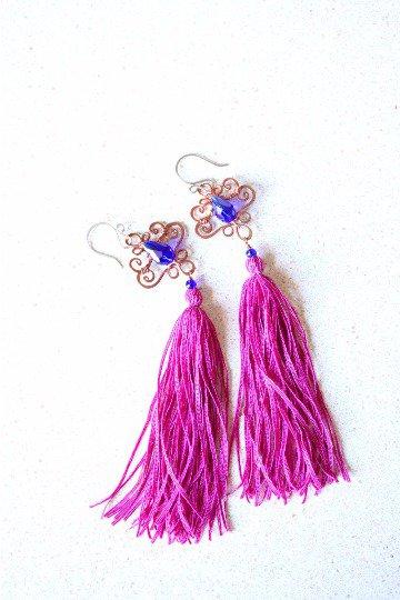 Wire Wrapped Orecchini Blu e Nappa Fucsia Orecchini in Rame