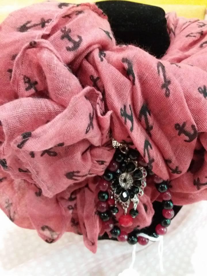foulard gioiello rosso e nero