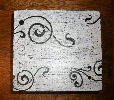 Scatola in legno quadrata dipinta a mano