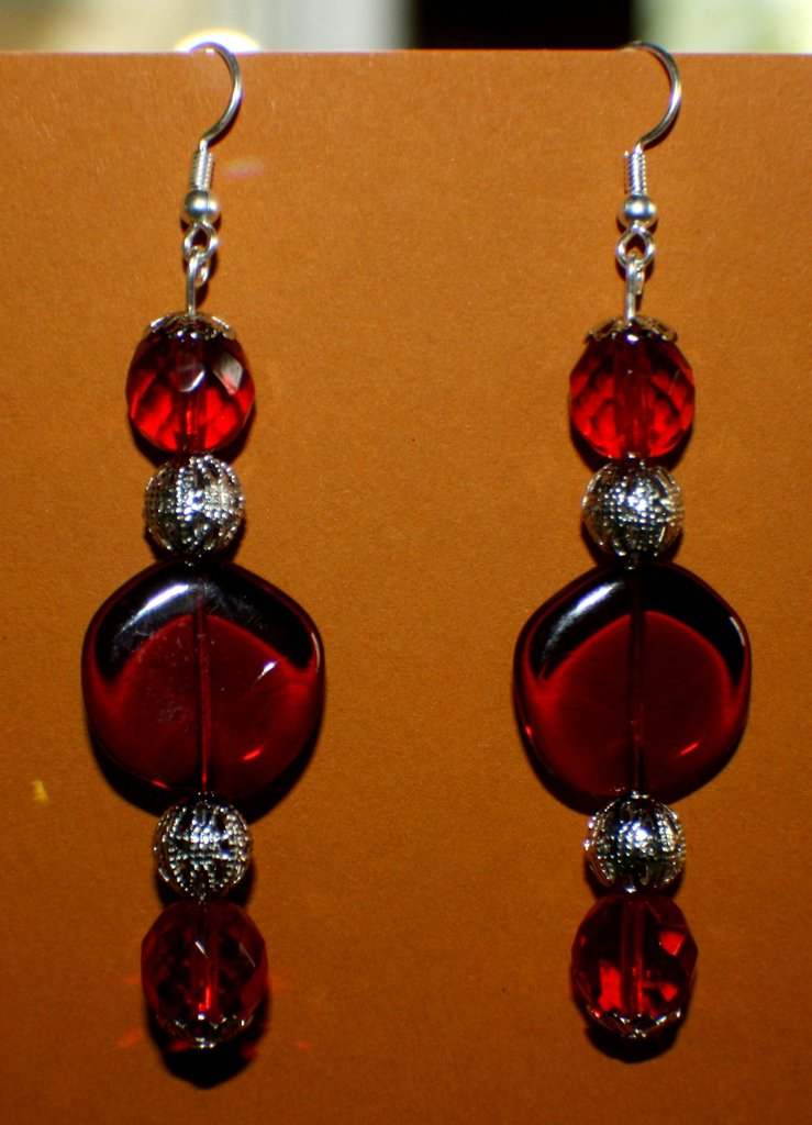 orecchini in vetro rosso