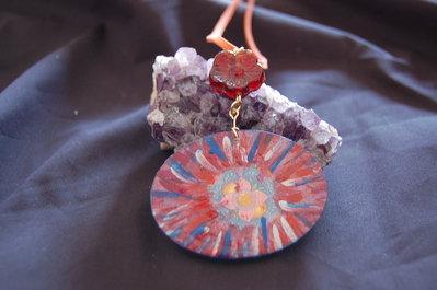 Ciondolo linea Eco-Yogica con mandala e fiore