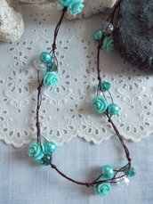 Roses torquoise collier