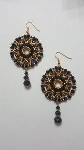 orecchini effetto filigrana con pendente