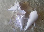 50 coni portariso bianchi + 5000 coriandoli a cuore, porta riso matrimonio romantico, coriandoli bianchi