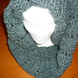 Scaldacollo di lana boucle  realizzato a mano a uncinetto