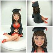Scultura caricatura cake topper ragazza laurea