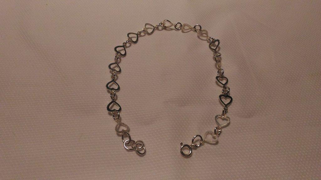 Braccialetto per donna in argento 925 con componenti a forma di cuore