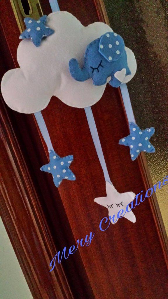 Nuvola decorativa cameretta bambini, elefantino portafortuna, capo culla, idea regalo