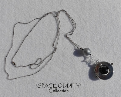 "Catenina lunga con pendente satellite + stellina - Collezione ""Space Oddity"""