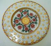Piatto da portata in ceramica dipinta a mano.