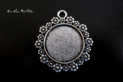 NOVITA'! Base cabochon color argento (dcod.132)