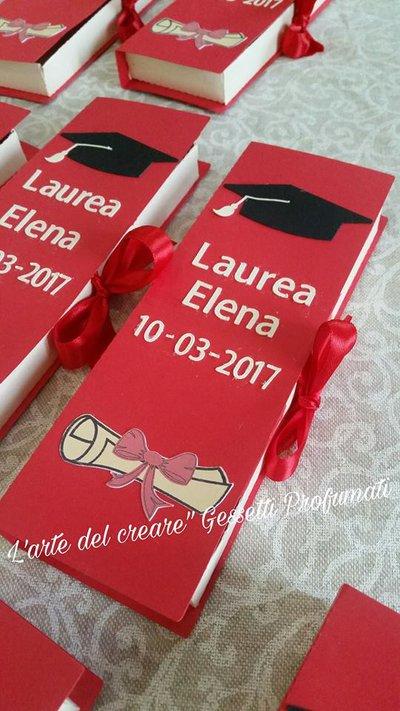 Scatola porta confetti bomboniera sacchetto laurea nome tocco pergamena libro (0,90 al pezzo)