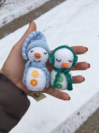 Pupazzo di neve amigurumi