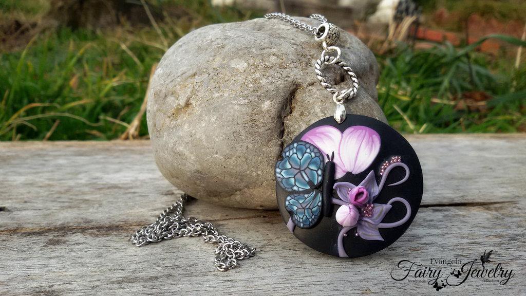 Collana fimo  farfalla  acciaio cerchio rilievo pasta polimerica nero fucsia fiore