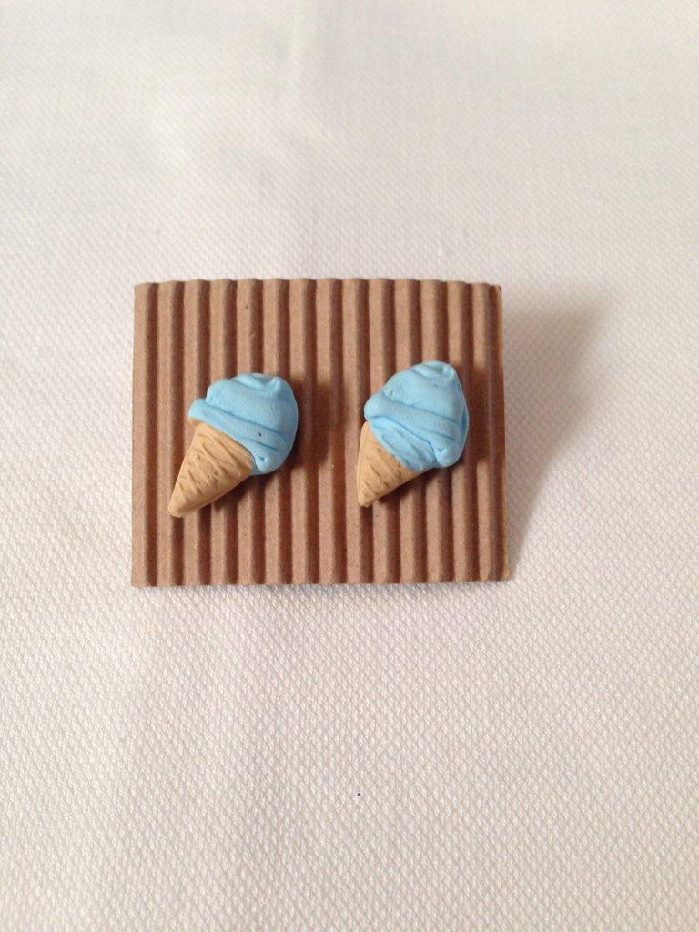 Cono gelato azzurro