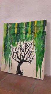Quadro albero spoglio sotto pioggia di cera verde