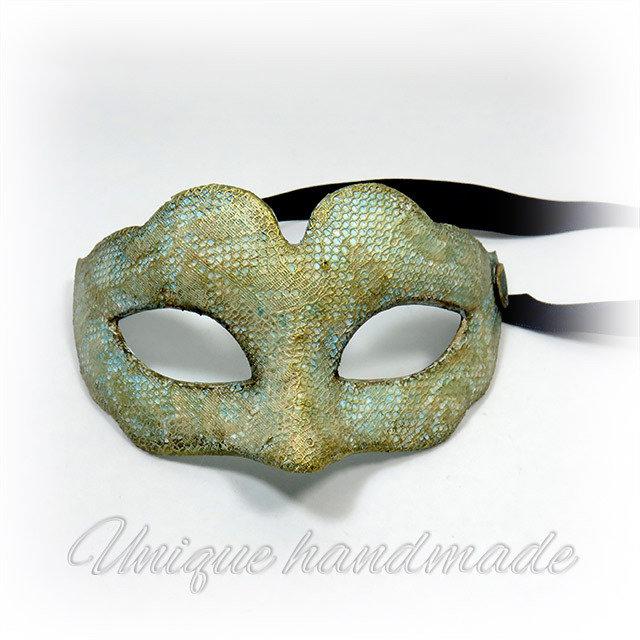 Mezza maschera in stile veneziano
